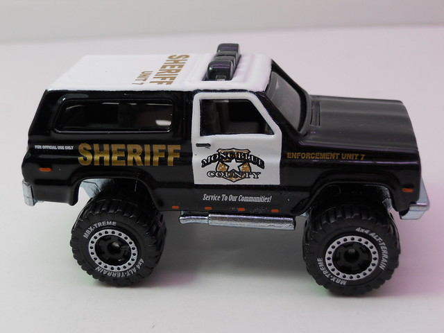matchbox '89 chevy blazer sheriff lesney box   (5)