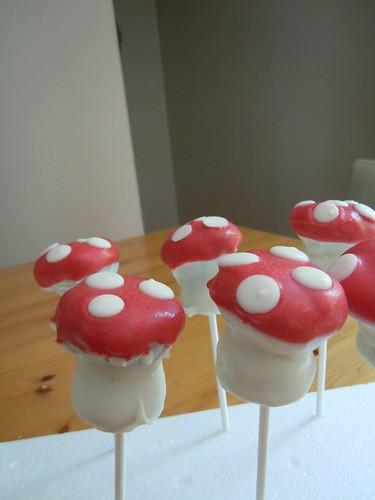 Mushroom cake pops