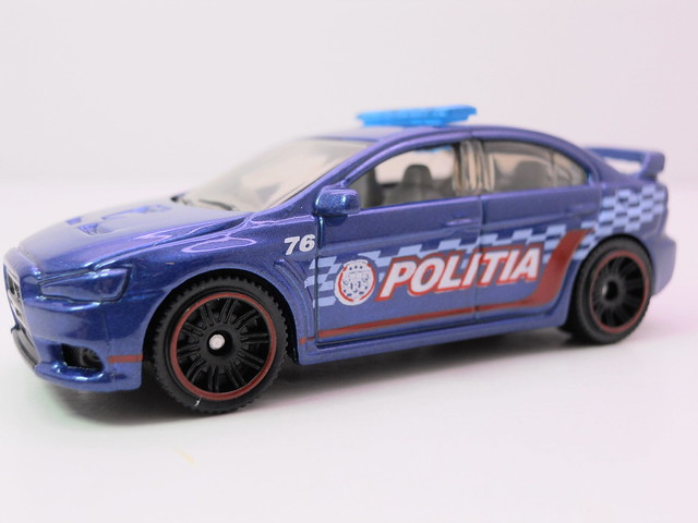 matchbox mitsubishi lancer evolution x politia (2)