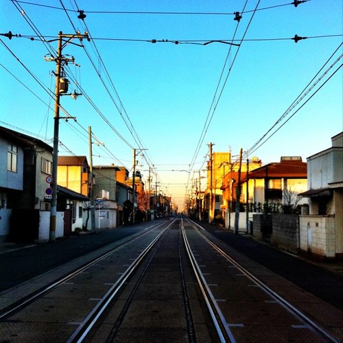 (^o^)ノ < おはよー! 今朝の大阪、快晴です。今週も笑顔で、がんばろ~! #Osaka #morning #sky