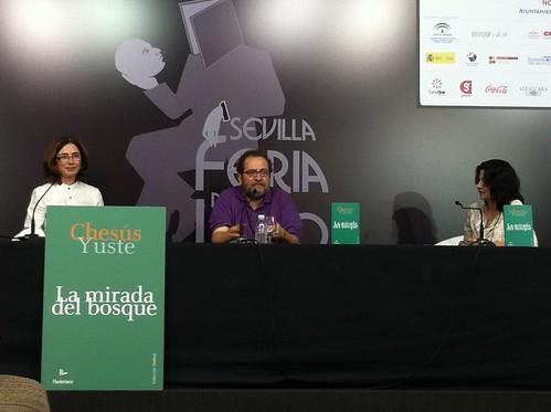 Presentación de 'La mirada del bosque' de Chesús Yuste en Sevilla