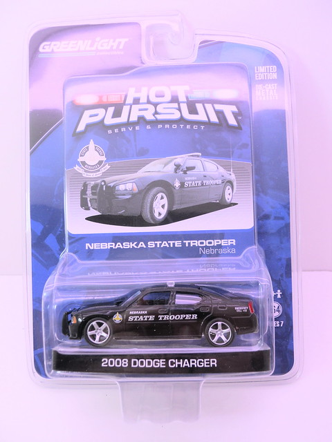 greenlight hot pursuit 2008 dodge charger nebraska state trooper  (1)