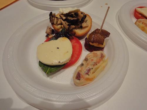 Caprese, mushroom/Parmesan/rosemary/pine nut bruschetta, chorizo/haloumi/spiced pear, smoked salmon roulade