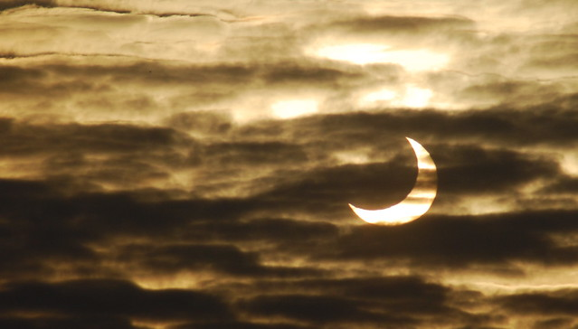 Solar Eclipse (partial) in Germany... (Partielle Sonnenfinsternis) 2011