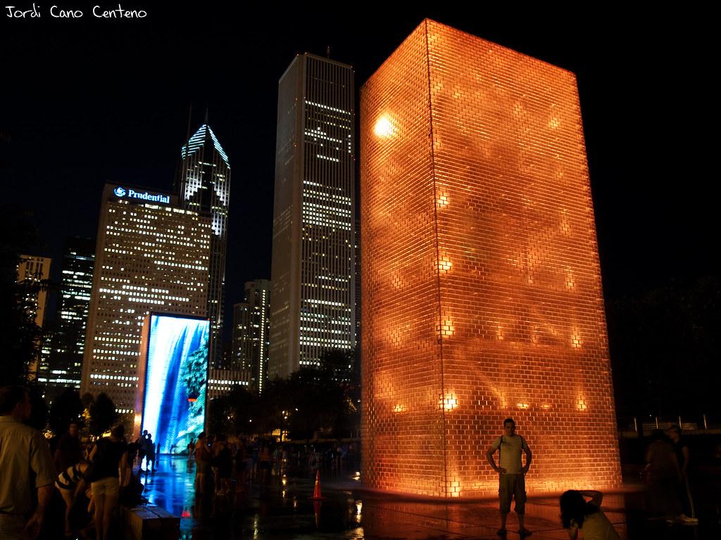 Crown Fontain, Milenium Park, Chicago. Nocturna 04