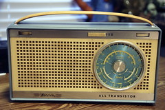 Norelco 3 band transistor radio