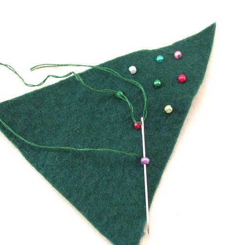 Hand sewn felt Christmas tree tutorial step 1