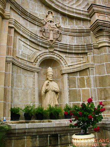 Statue Infront of Miag-ao Church
