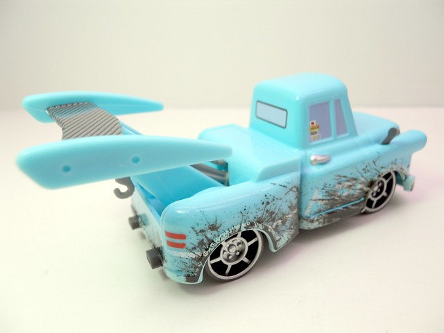 disney cars toon tokyo mater with oil stains (6)
