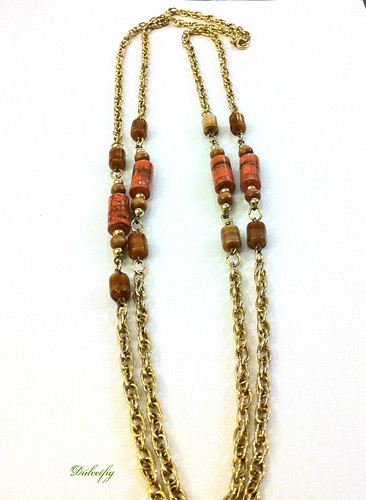 Necklace Sarah Coventry Gold Chain w Coral Beads
