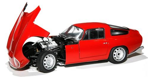 AutoArt Alfa Romeo TZ1 (1)