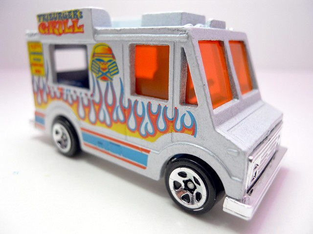 hot wheels ice cream truck wht (2)