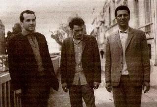Στο κέντρο ο Τ. Τασσόπουλος (1967 Παρίσι)