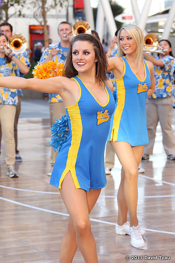 UCLA Dance Team 013