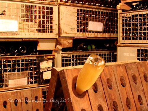 The rack for rotating bottles.