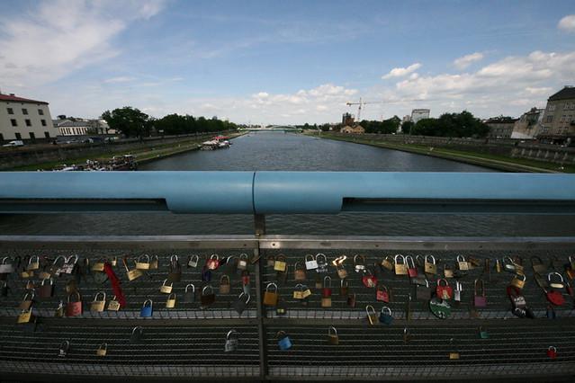 The Laetus Bernatek footbridge