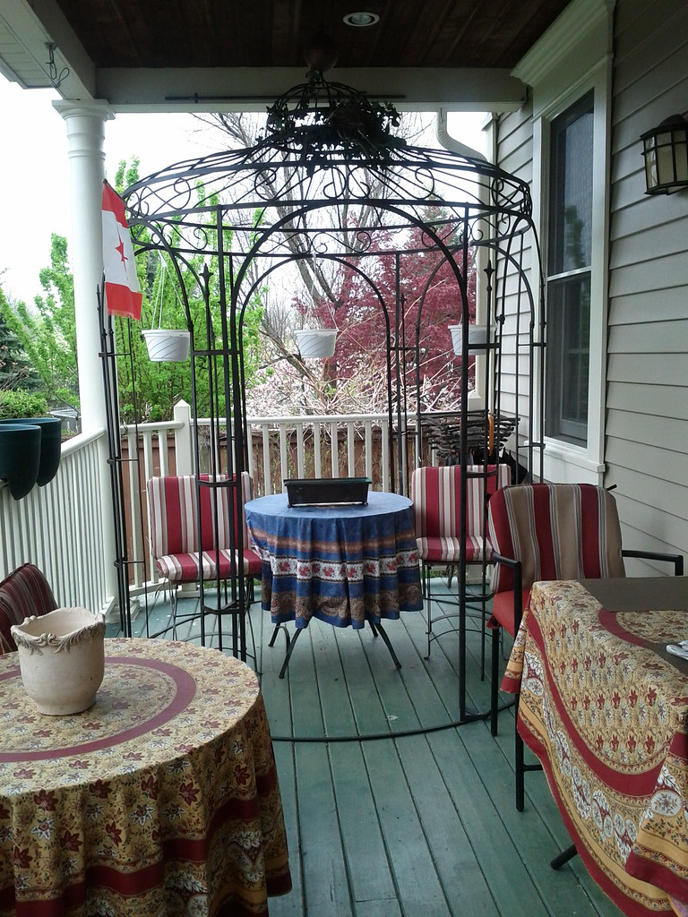 globetrotter b&b porch