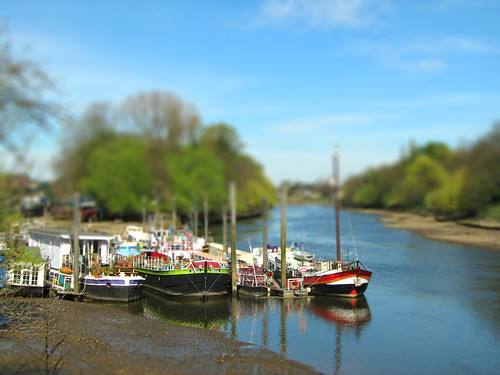 house boats tiltshift