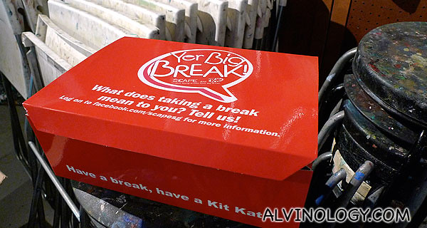 Painting souvenir kit for bloggers