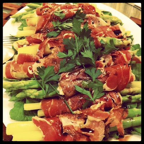 Arugula with Prosciutto Wrapped Asparagus