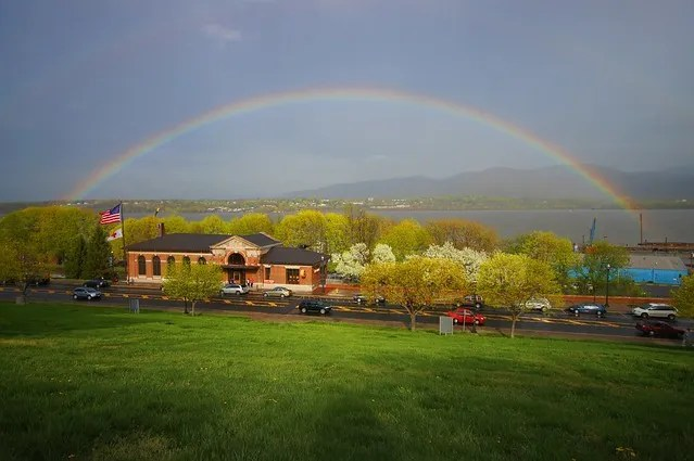 Can rainbows really be signs from God? (poll included at the end) (1/6)