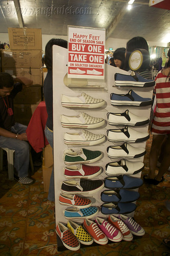 Happy Feet (Global Pinoy Bazaar 2010)