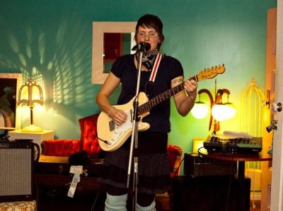 Tanya Davis @ Raw Sugar Cafe