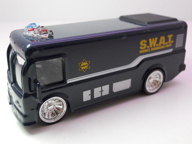 jada toys HEAT SWAT city bus (2)