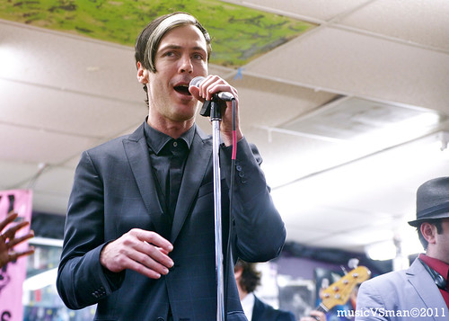 Fitz and the Tantrums @ Vintage Vinyl - 02.12.11