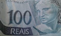 100 Reais