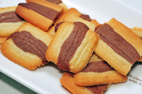 Macha and Chocolate Cat's Tongue Cookies