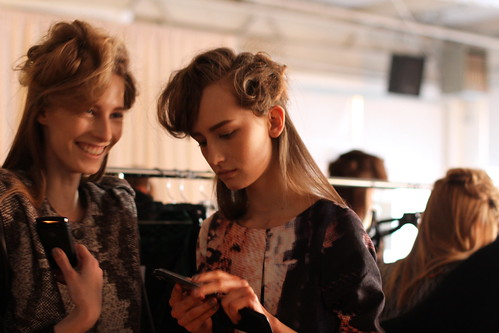 RACHEL COMEY FALL 2011- BACKSTAGE (24)