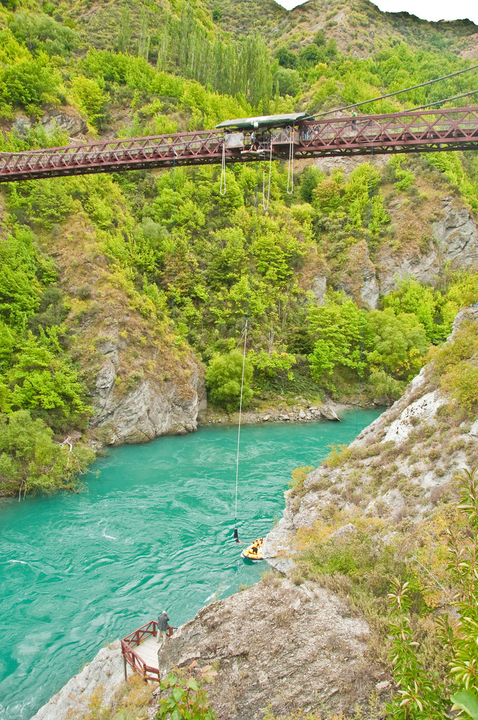 Recovering the jumper at the Kawarau Bridge Bungy