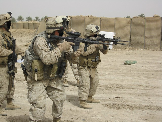 美國海軍陸戰隊隊員基本裝備 - Yahoo!奇摩知識+