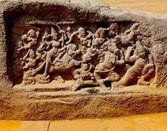 scuplture at Saluvakuppam.jpg