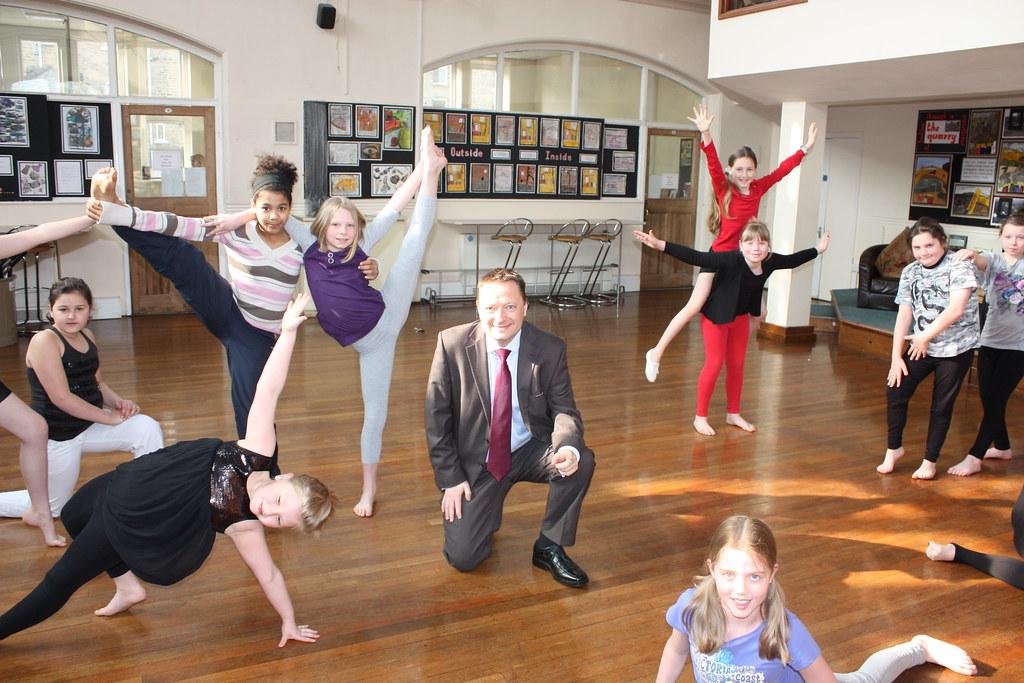 Linthwaite Clough School - Dancing Display