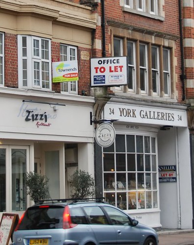 Offices to let above Zizzi, York Street