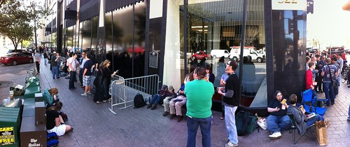 The queue at the apple pop-up store #sxsw