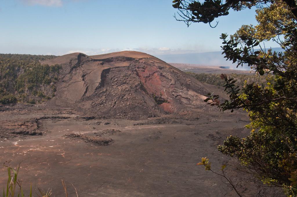 Pu'u Pua'i was formed from the lava fountain coming out of the edge of the Kilauea Iki Caldera