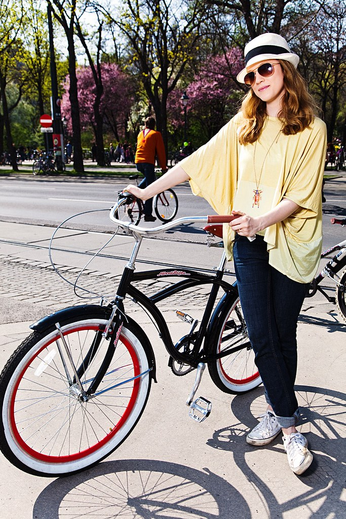 Our promo queen with the Hoodbike