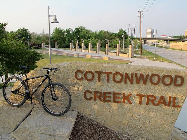 Cottonwood Creek Trail Entrance