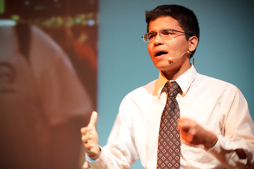 Vineet Singal presenting at TEDxTampaBay 2011
