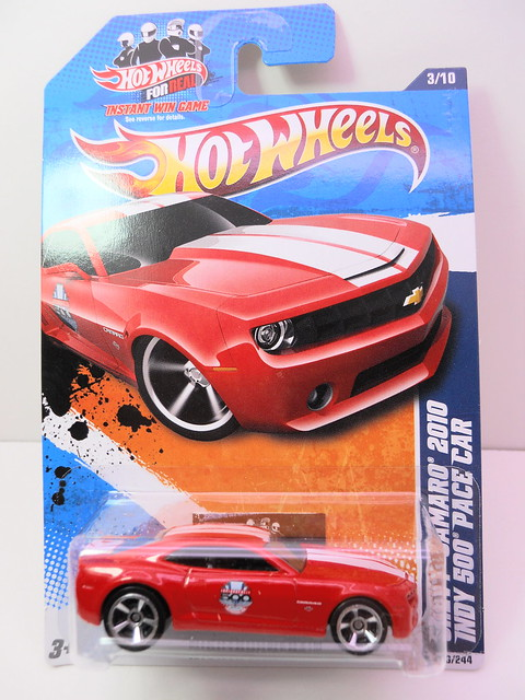 hot wheels chevy camaro '10 indy 500 pace car (1)