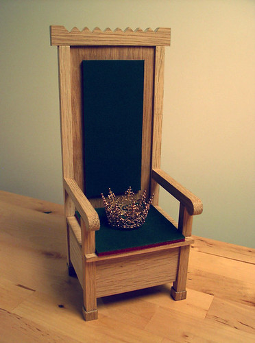 Iðunn is crowned and enthroned ♥