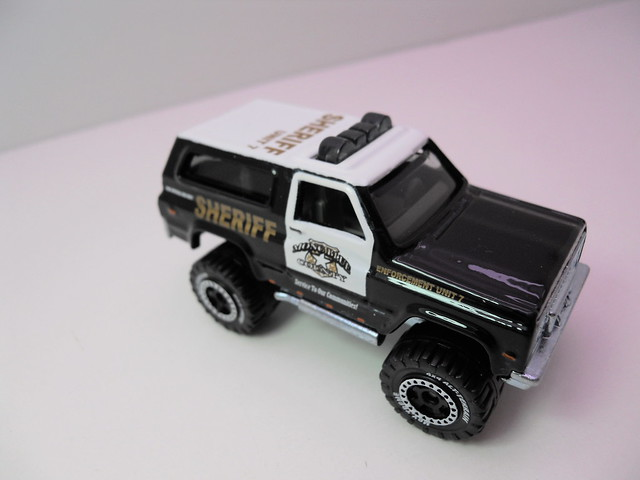 matchbox '89 chevy blazer sheriff lesney box   (4)