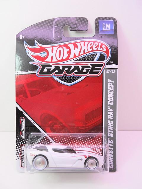 hot wheels garage corvette stingray concept wht (1)