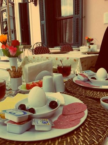 Kahvaltı için hazırırız..