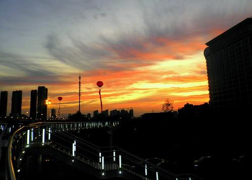 Sunset at Binhu