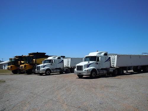Combines unloaded