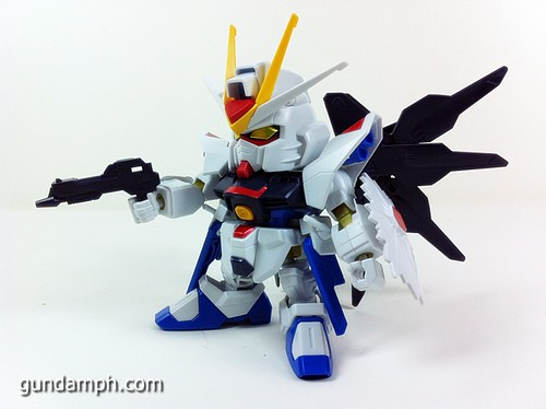 pics SD Strike Freedom Gundam (5)